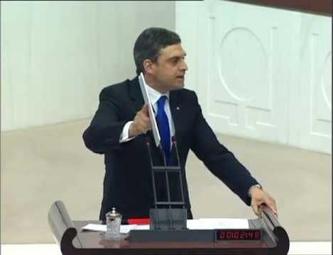 Umut Oran Tarih Üstüne İnşaatı Meclis Gündemine Taşıdı