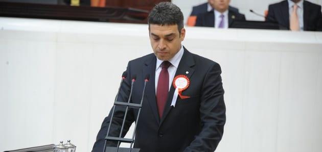 Umut Oran Başbakan Yardımcısı Bekir Bozdağ'ın sözlerini TBMM gündemine taşıdı.