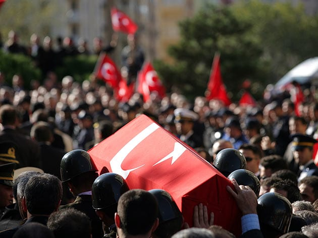 Umut Oran: Hain saldırıyı ve terörü kınıyorum