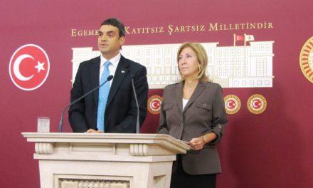 Umut Oran, AB Bakanı Egemen Bağış'a bol sıfırlı karne hazırladı, görevlerini anımsattı