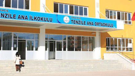 Umut Oran, okuldan Atatürk isminin kaldırılmasını sordu