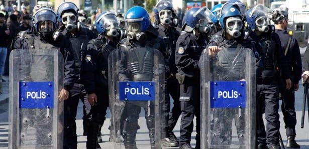 İstanbul Emniyet Müdürlüğü Çevik Kuvvet Şube Müdürü'nün sms mesajı Meclis gündeminde