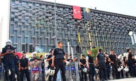 CHP'den İçişleri'ne: AKM'yi polis işgalinden kurtaracak mısınız?
