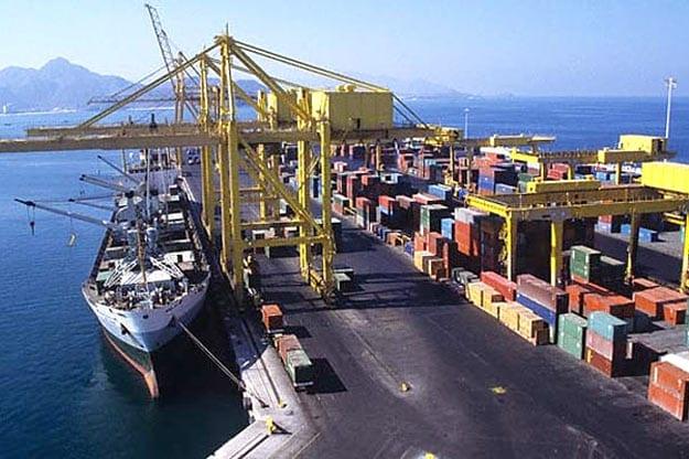 Umut Oran: İhracat karaya oturuyor, dış ticaretin kaptanı nerede?