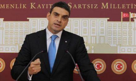 """CHP, Başbakan'a """"camideki içki görüntüsü"""" nerede diye sordu"""