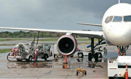 Petrol fiyatları düşerken uçak bilet fiyatları neden indirilmiyor?