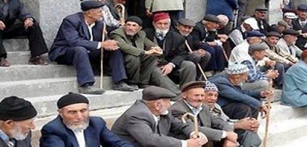 Saraya Örtülü Trilyonlar Emekliye Açlık Sınırı
