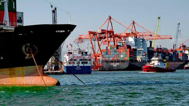 AKP ihracatta imkansızı başardı, dolar yüzde 26 arttı, ama ihracat yüzde 9 düştü !