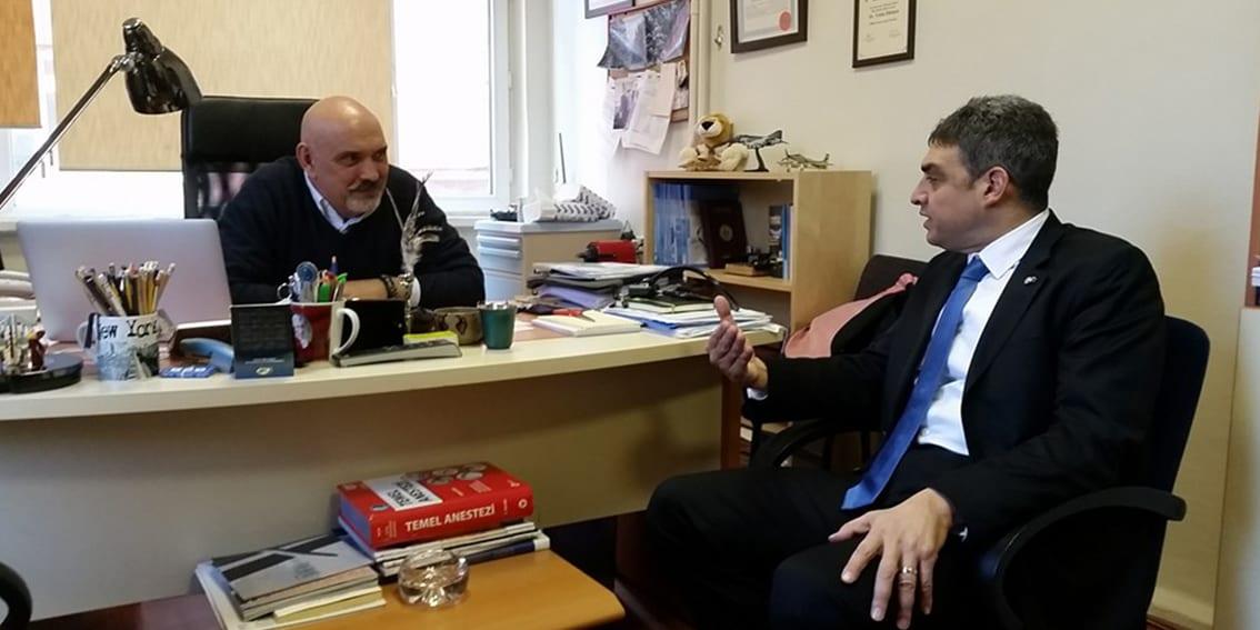 Umut Oran'dan Ahmet Emre Çavuş'a ziyaret – Bölge Değişim Gazetesi