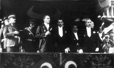 Lütfen Türkiye'nin geldiği noktayı düşünerek Cumhuriyet Bayramımızı kutlayalım