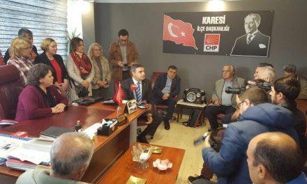 Umut Oran Balıkesir'den uyardı: Türkiye'nin Bölgesel Savaşlara Hazır Olması Lazım!